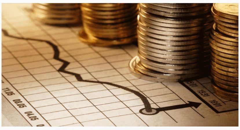 Economia continua estagnada em patamar negativo, diz FGV