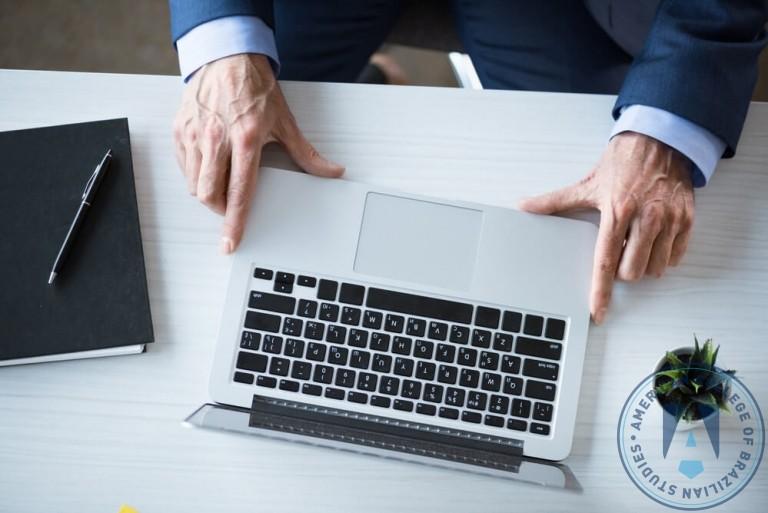 5 excelentes sites para estudantes de administração de empresas